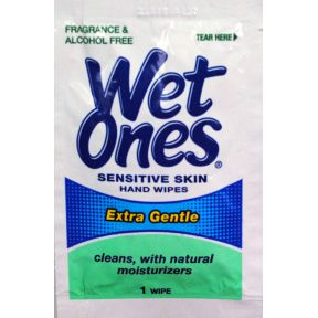 Wet Ones Singles sensitive skin hand wipes C05-0222611-1200 - 1 sensitive skin hand wipe in individually sealed packette