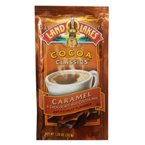 Land O Lakes Cocoa Classics Caramel & Chocolate F20-1006209-7200 - 1 1/4 oz caramel and chocolate flavor hot cocoa beverage mix in individual size packet. A convenient travel size for on the go.