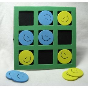 Travel Tic Tack Toe - spongy smiley faces G01-0259906-8100
